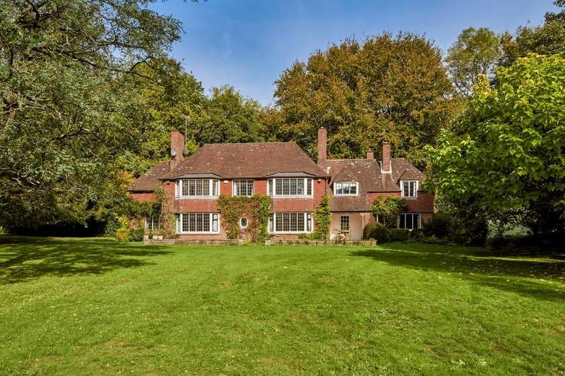 5 Bedrooms Detached House for sale in Durford Wood, West Sussex