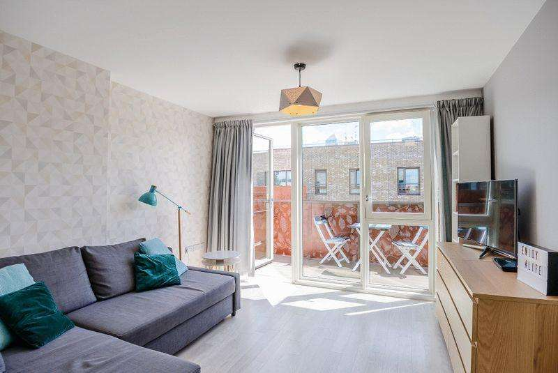 1 Bedroom Apartment Flat for sale in Blondin Way, Canada Water, Redwood Park, SE16
