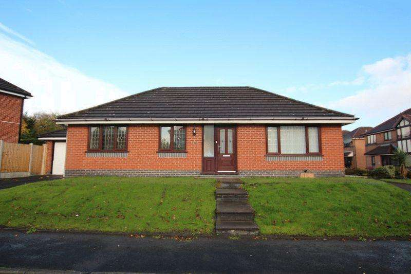 3 Bedrooms Detached Bungalow for sale in Great Flatt, Passmonds, Rochdale OL12 7AS