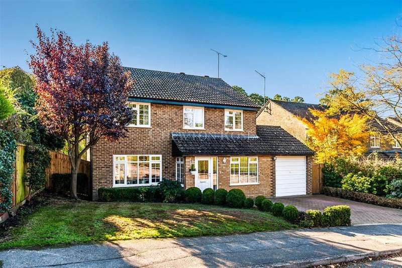 4 Bedrooms Detached House for sale in Sutherland Chase, Ascot