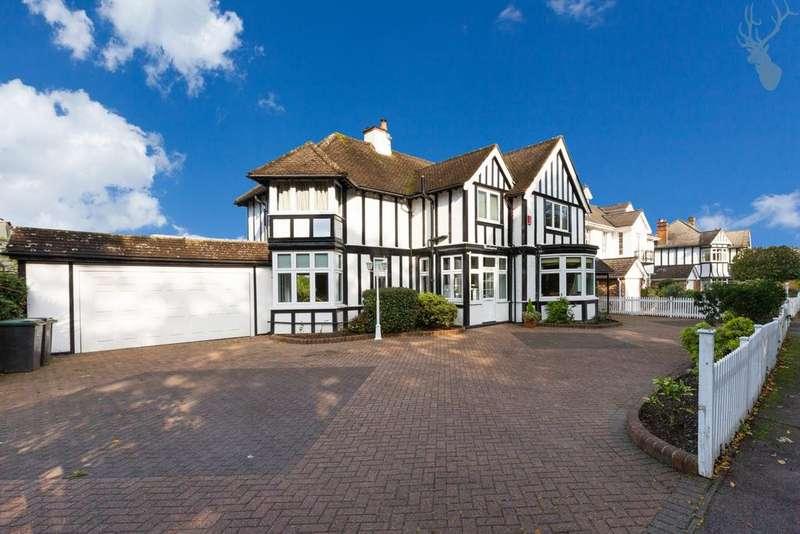4 Bedrooms House for sale in Hornbeam Lane, Sewardstonebury, E4