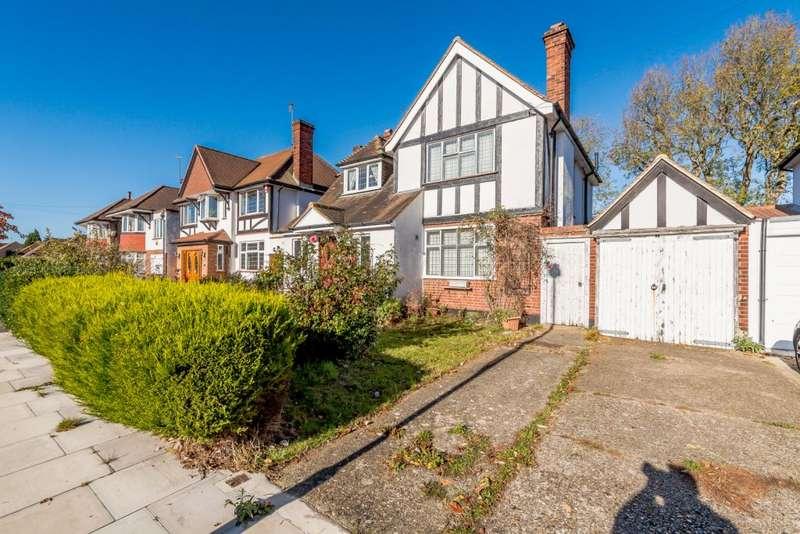 4 Bedrooms Detached House for sale in Farm Avenue, Harrow, HA2 7LR