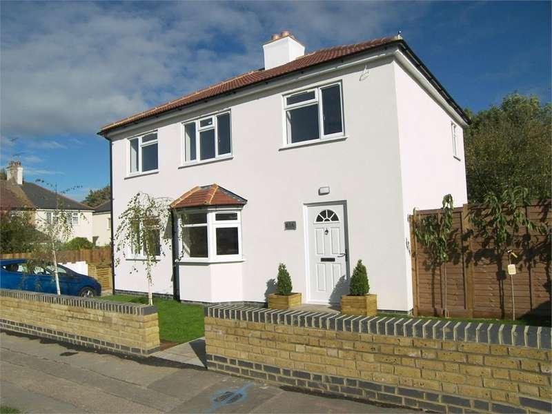 3 Bedrooms Detached House for sale in CRANBORNE ROAD, POTTERS BAR