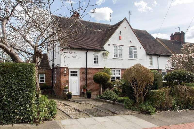 4 Bedrooms Semi Detached House for sale in Midholm, Hampstead, NW11