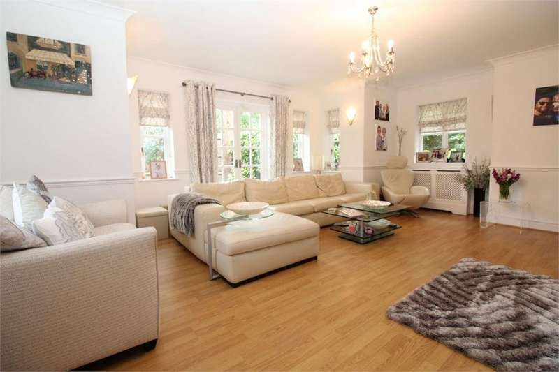 6 Bedrooms Detached House for sale in Redwood, 2 The Drive, Brookmans Park
