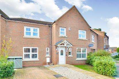 4 Bedrooms Terraced House for sale in Ultra Avenue, Bletchley, Milton Keynes, Buckinghamshire