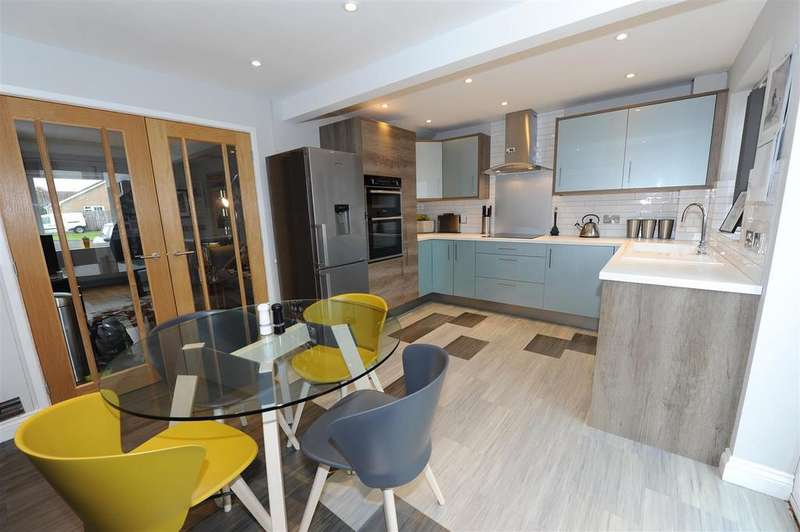 3 Bedrooms Detached House for sale in Osprey Close, Scotton, Catterick Garrison