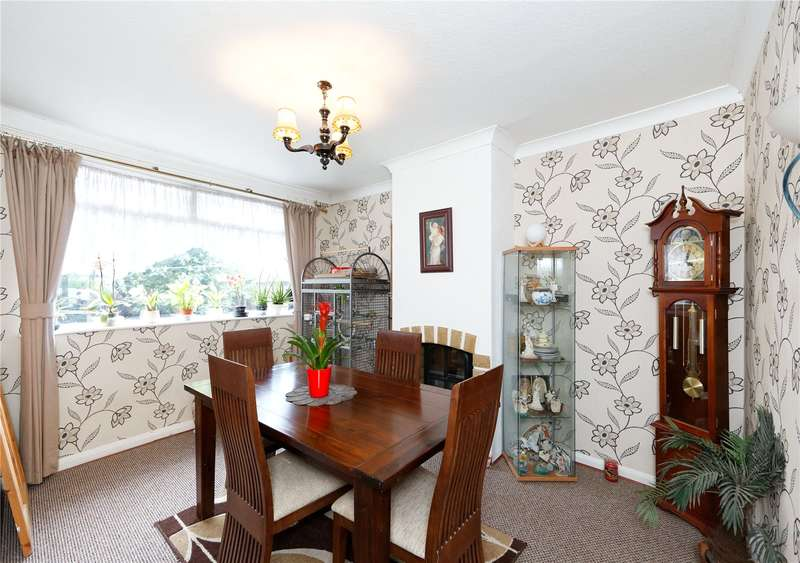 3 Bedrooms Detached House for sale in Vickers Avenue, Leeds, West Yorkshire, LS5