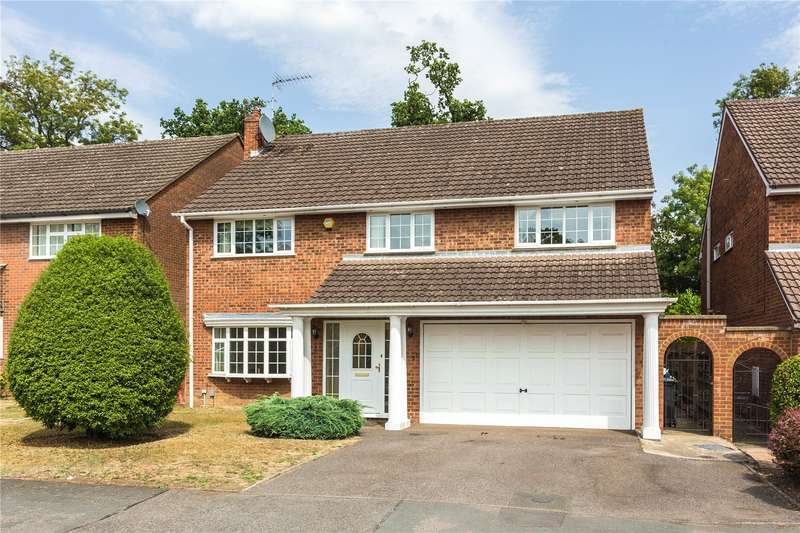 5 Bedrooms Detached House for sale in Bay Tree Walk, Watford, Hertfordshire, WD17