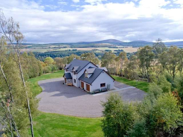 5 Bedrooms Detached House for sale in Strathview, Craigellachie, Aberlour, Moray, AB38
