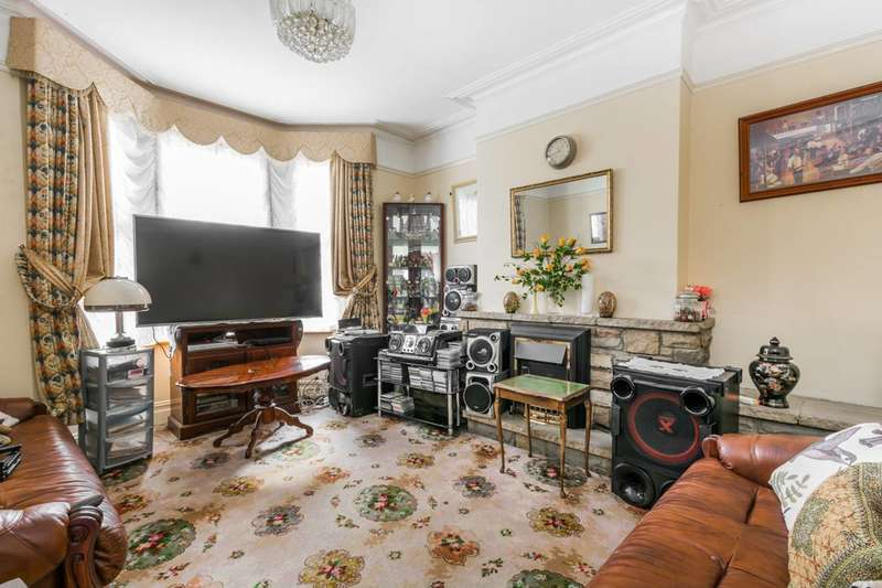 3 Bedrooms House for sale in Crofton Road, Plaistow, E13