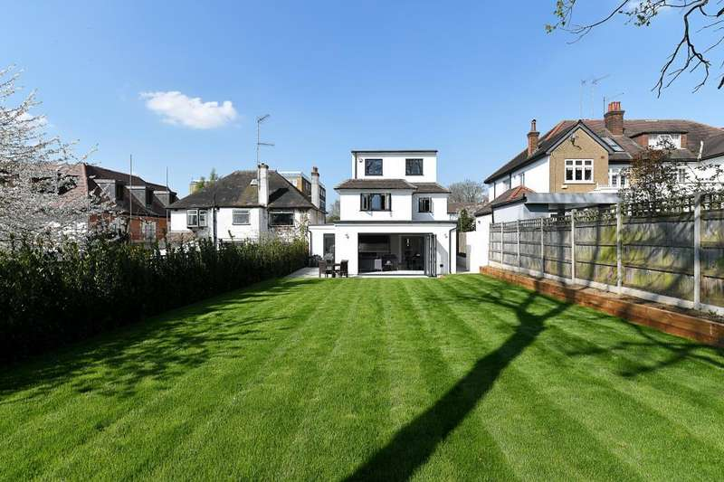 4 Bedrooms Detached House for sale in Wickliffe Avenue, Finchley, N3, N3