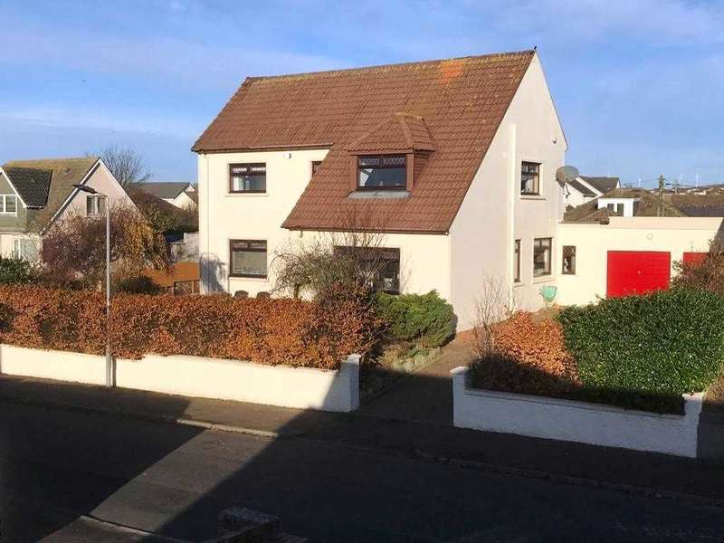 4 Bedrooms Detached House for sale in Cuningham Drive, Stevenston