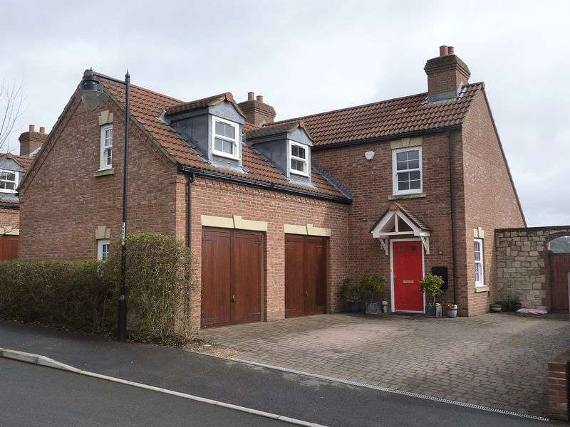 4 Bedrooms Property for sale in Woodroffe Meadow, Lyme Regis