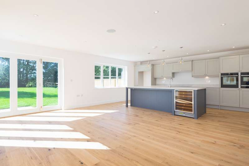5 Bedrooms Detached House for sale in The Street, Staple, Nr Canterbury, CT3