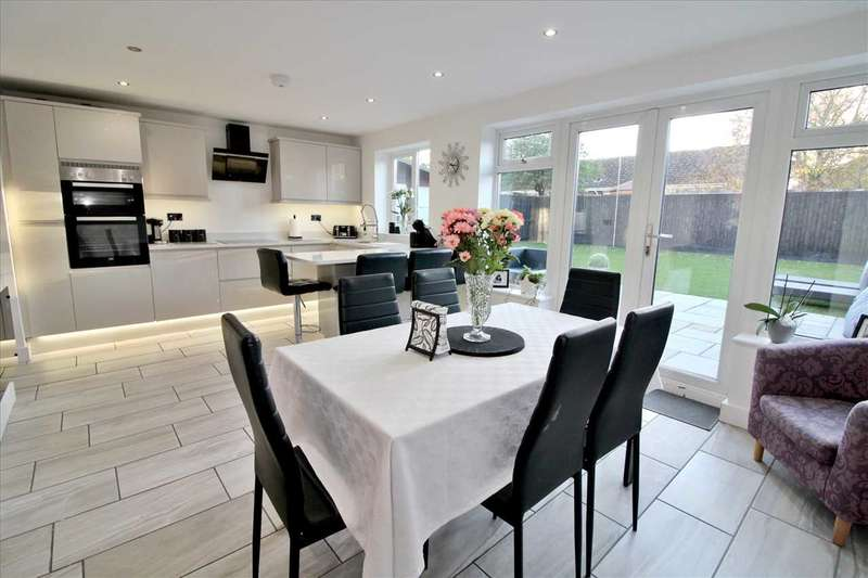 3 Bedrooms Detached House for sale in Tedder Road, Bournemouth