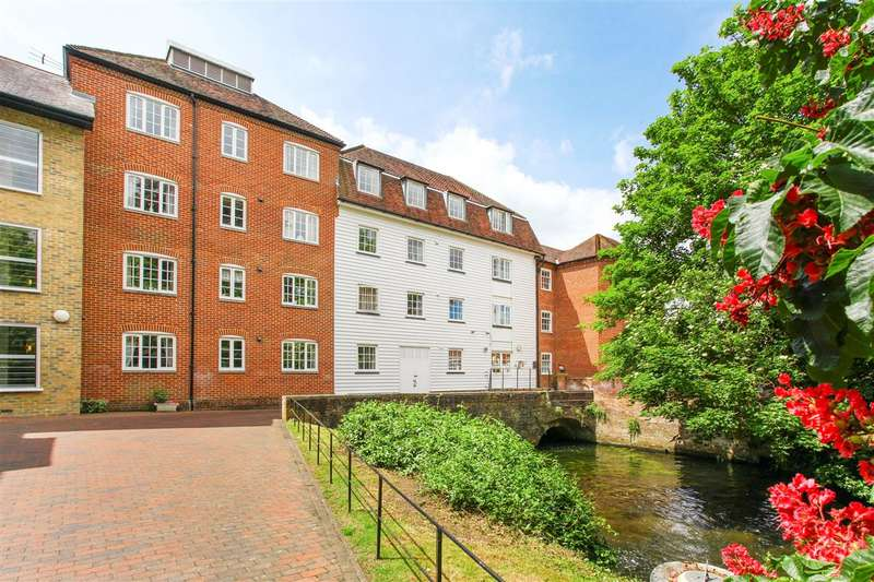 2 Bedrooms Apartment Flat for sale in Deans Mill Court, Canterbury
