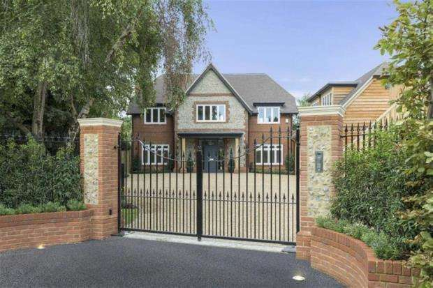 6 Bedrooms Detached House for sale in Ripley, Surrey