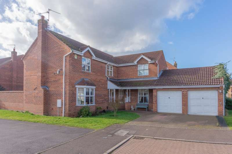 4 Bedrooms Detached House for sale in 32 Barkston Drive, Peterborough, Cambridgeshire