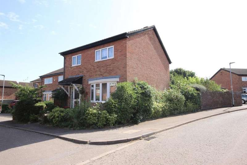 4 Bedrooms Detached House for sale in Connaught Way, Bedford