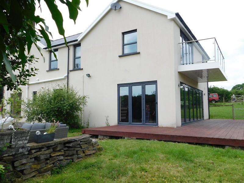 4 Bedrooms Detached House for sale in Neath Road, Fforest Goch, Pontardawe, Swansea.
