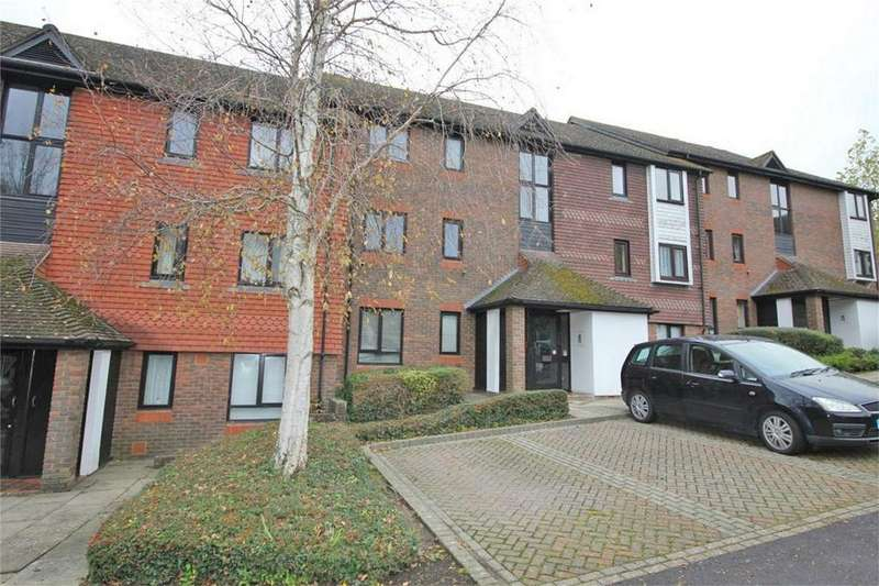 2 Bedrooms Flat for sale in Woodhams Close, BATTLE, East Sussex