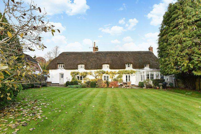 4 Bedrooms Detached House for sale in Wherwell, Andover