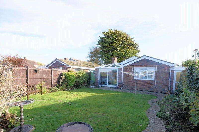 2 Bedrooms Detached Bungalow for sale in Cormorant Walk, Gosport