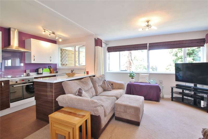 2 Bedrooms Flat for sale in The Pines Woodside Bristol BS9