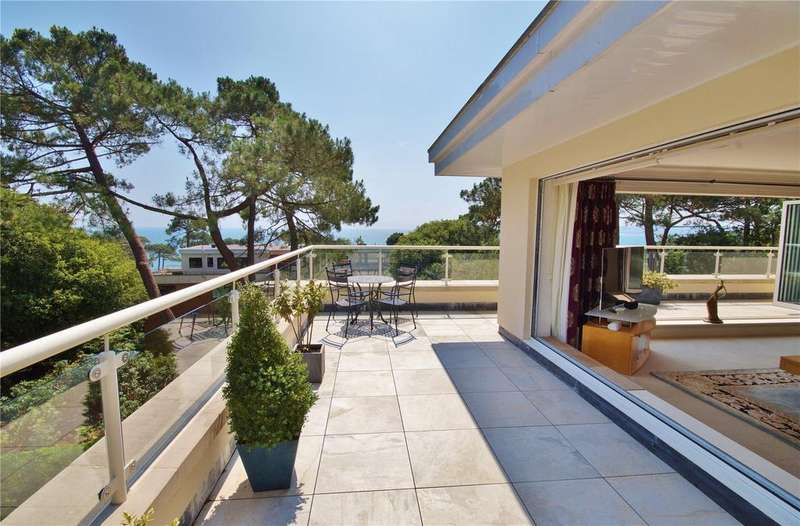 3 Bedrooms Penthouse Flat for sale in Westminster Road, Branksome Park, Poole, Dorset, BH13