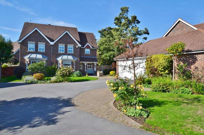 4 Bedrooms Detached House for sale in Needham Drive, Cranage