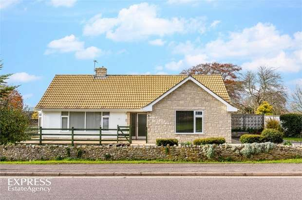 3 Bedrooms Detached Bungalow for sale in Lyme Close, Axminster, Devon