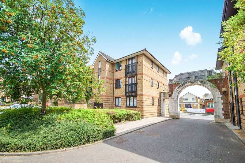 2 Bedrooms Flat for sale in Chopwell Close, London, E15