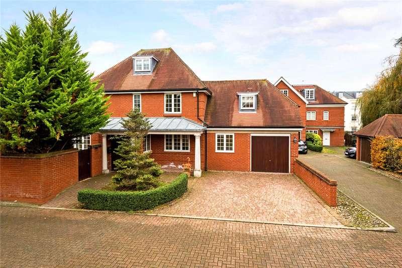 4 Bedrooms Detached House for sale in The Cressinghams, Epsom, Surrey, KT18