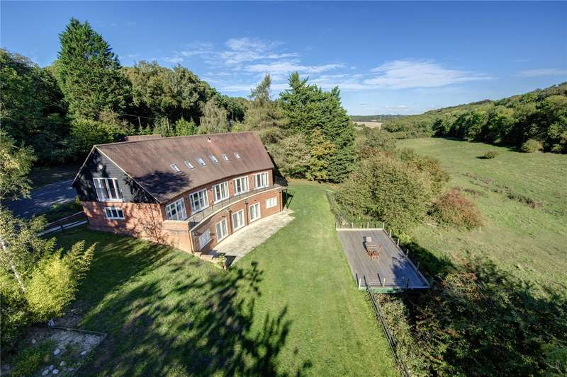 4 Bedrooms Detached House for sale in Watchet Lane, Little Kingshill, Buckinghamshire, HP16