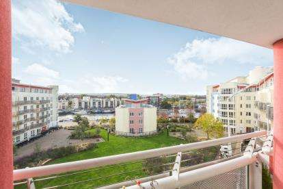 2 Bedrooms Flat for sale in The Crescent, Hannover Quay, Bristol