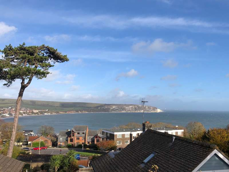 3 Bedrooms Bungalow for sale in PEVERIL ROAD, SWANAGE