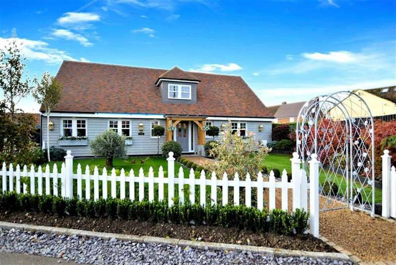 5 Bedrooms Detached House for sale in Mill Lane, Ongar, Essex