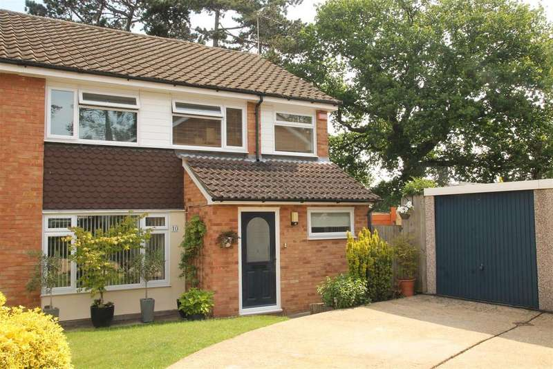 4 Bedrooms Semi Detached House for sale in Lodge Way, Windsor