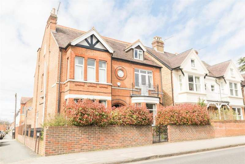 7 Bedrooms House for sale in St. Leonards Road, Windsor