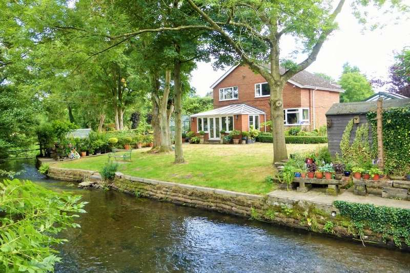 4 Bedrooms Detached House for sale in Costessey