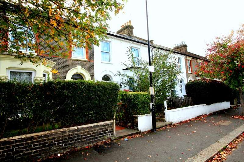 3 Bedrooms Terraced House for sale in Clarence Road, Manor Park, E12
