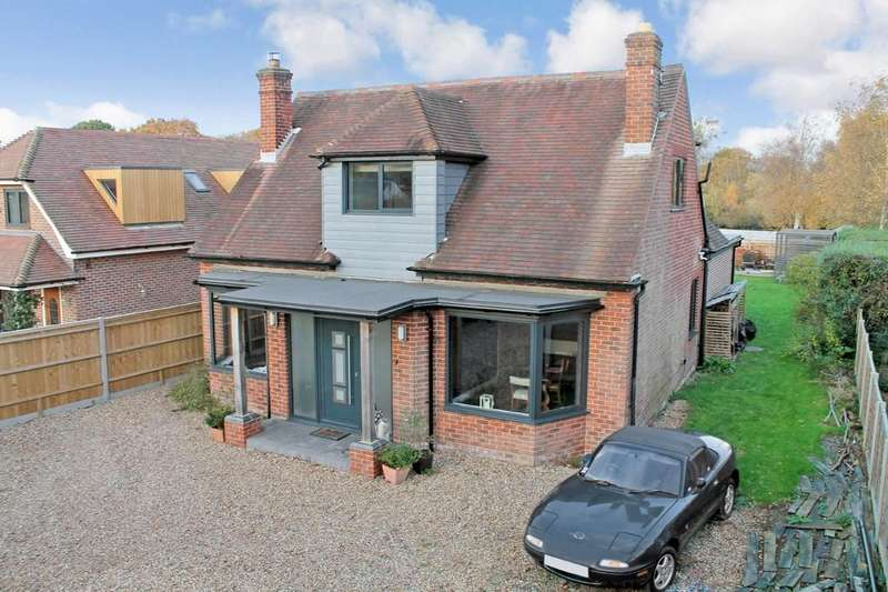 4 Bedrooms Detached House for sale in Burridge , Hampshire