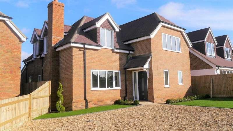 4 Bedrooms House for sale in Byfleet Avenue, Old Basing, Basingstoke