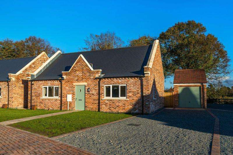 3 Bedrooms Bungalow for sale in The Gables, Hundleby