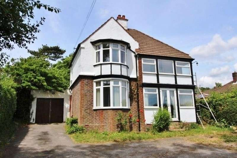 4 Bedrooms Property for sale in Sea View Road, Portsmouth, Hampshire, PO6 1EW