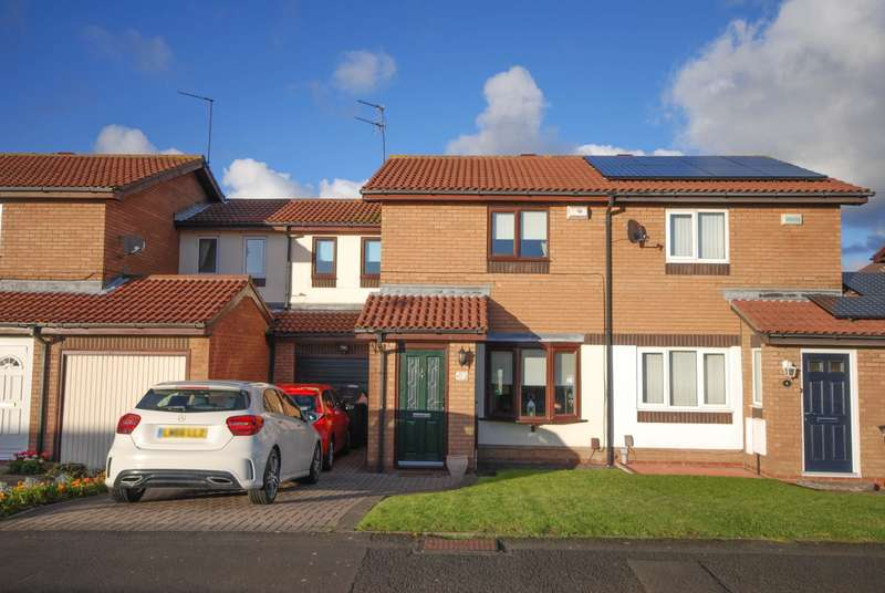3 Bedrooms Terraced House for sale in North Drive, Hebbburn