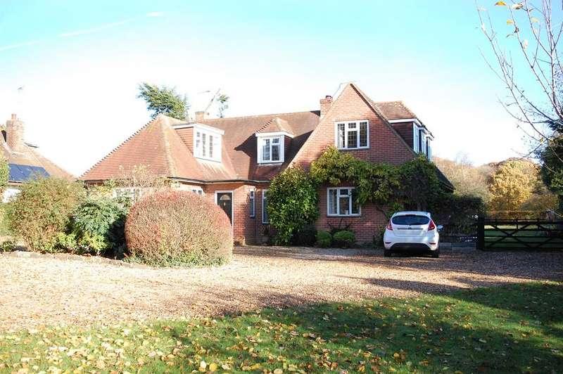 4 Bedrooms Detached House for sale in Pottersheath Road, Welwyn, AL6