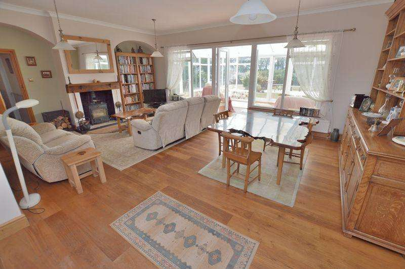 3 Bedrooms Detached Bungalow for sale in Holmes Cottage, Holmes Road, Stixwould, Woodhall Spa
