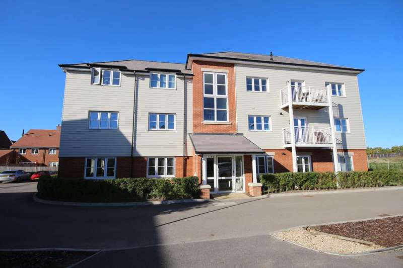 2 Bedrooms Apartment Flat for sale in Highfield Place, Wokingham